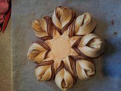 6 - Cake - nutalla star cake 6 Cake, Star Cakes, Nutella, Vegetables, Food, Vegetable Recipes, Eten, Veggie Food, Meals