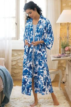 """Woodland blossoms calm the mind on this pretty print jersey robe, lending a serene note to before-bed, before-breakfast or anytime in between. Attached belt; on-seam pockets. Poly/spandex. Misses 47-1/2"""" long. Sweet Wilderness Robe #2AK13"""