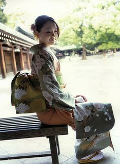 KIMONO by g2slp, via Flickr-Reminds me of Memoirs of a Geisha