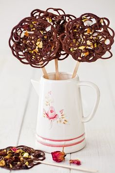Chocolate-Lace Lollipops with Dried Fruit & Nuts at Cooking Melangery #chocolate, #valentine, #gift