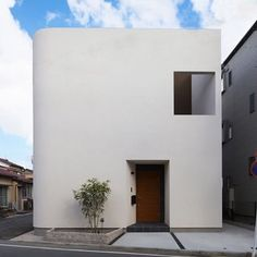 Yokohama— A House in Japan designed by Bee-2 Architecture . . . #architecture #design #minimalism #functionality #white #modern #building #japan #wooden #structure #yokohamamarenforme