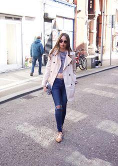 How to style a trench coat daytime