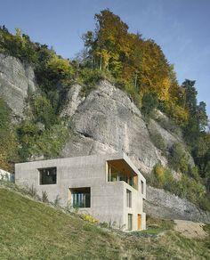 Minimalist grey theme hillside house plans with side space square shaped two window ornament and simple three levels house design plan decorating. Inspirations of the hillside house plans Architecture Design, Residential Architecture, Amazing Architecture, Concrete Facade, Home By, Wood Frame Construction, Hillside House, Home Design Plans, Modern Buildings