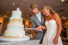Beachy wedding cake with brown sugar sand, icing pearls, and waves of blue | The Grand Hotel of Cape May, NJ | Danette Pascarella Photography