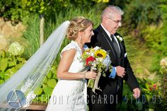 #dad #bride #veil #aisle #weddingday #aziccardi