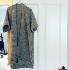 Crochet your own cardigan in alpaca Crochet Clothes, Men Sweater, Clothes For Women, Knitting, Crochet Ideas, Crocheting, Sweaters, How To Wear, Dresses