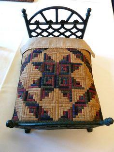 Sue Garman: Log Cabin quilt using 1/16th inch logs!!