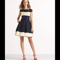 ⬇️ SALE Take 15% Off!⬇️New Kate Spade Dress Fit-and-flare Kate Spade dress, brand new never worn! Size 00 would fit up to size 0-2. Boat neck, full pleated skirt, on seam pockets. Classy and fabulous!  Pic.4 from katespadegirl. com, does not come with belt. ⚡️Take extra 15% off ⚡️ kate spade Dresses