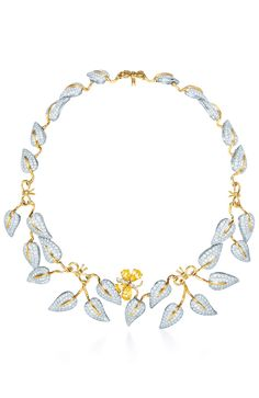 Collar Monarque with pavé diamonds on 18k gold butterfly and yellow sapphires. It is a creation of Jean Schlumberger for Tiffany & Co .
