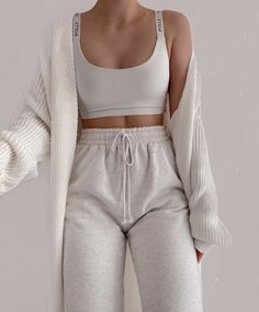 outfit winter cute Fashion Outfits And Trend Looks For Street Style Inspiration Cute Lazy Outfits, Sporty Outfits, Mode Outfits, Trendy Outfits, Fall Outfits, Summer Outfits, School Outfits, Athleisure Outfits, Outfit Winter