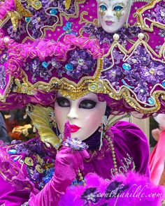 Venice Carnival: fuchsia