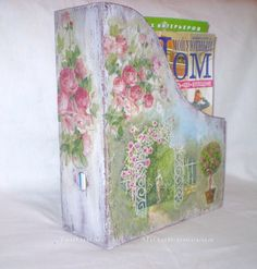 Shabby chic magazine holder Decoupage Tutorial - painted, distressed, decoupaged with napkins   nice!  ********************************************   Decoupage class - #shabby #chic #romantic #cottage #home #decor #decoupage #decoupaged #magazine #holder - tå√