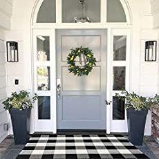 Style At Home, Farmhouse Front, Modern Farmhouse, Farmhouse Decor, Front Door Design, Interior Exterior, Home Fashion, Porch Decorating, Decorating Ideas