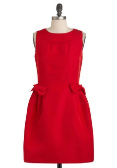 Red ModCloth dress, I love the little bows at the waist, but the shape is not very flattering.  I could easily make it better with some knife pleats!