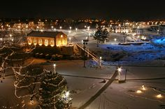 View thousands of twinkling lights at Winter Wonderland. Each year the CVB kicks off the holiday season with lighting of the Falls. Lights are turned on every evening through the new year. | Visit Sioux Falls