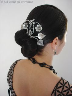 """""""I was pleased to be wearing my hair in a chignon, adorned with a delicate arabesque comb."""" -- Gorgeous comb!"""