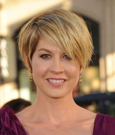 10 Popular Short Haircuts For Women Hairstyles Weekly - Free Download 10 Popular Short Haircuts For Women Hairstyles Weekly #15553 With Resolution 388x456 Pixel | KookHair.com