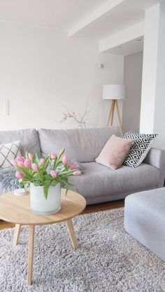Gray and Pink Living Room Idea. Gray and Pink Living Room Idea. How to Add Gray to Your Home Décor Living Room Paint, Home Living Room, Interior Design Living Room, Living Room Designs, Living Room Decor, Diy Interior, Living Room Inspiration, Inspiration Wall, Sweet Home