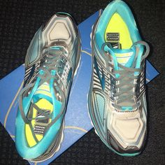 ad26e8bb549 Shop Women s Brooks Silver Blue size 8 Athletic Shoes at a discounted price  at Poshmark.
