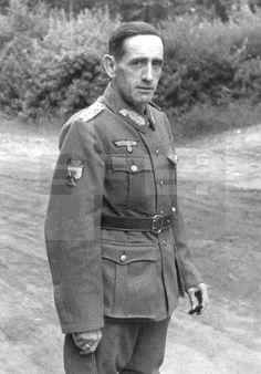 AÑO 1941.- EL JEFE DE LA DIVISIÓN AZUL, GENERAL MUÑOZ GRANDES, EN UNIFORME DE GENERAL DE LA WERMACHT.- EFE