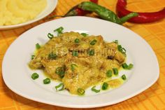 Куриное филе в сметанном соусе с карри