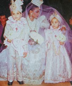 Mounia in Janvier 1982. Haute couture été 1982. L Officiel 1000 modèles.