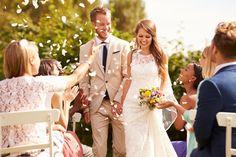 O estilo Gospel encanta multidões há anos e muitas vezes é a primeira escolha musical dos noivos que fazem questão de obter bênção até com a trilha sonora. Conheça a sua origem e algumas opções para a cerimônia.