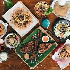 NEW FOOD PARK ALERT: Sagul Food Park - Malingap Enjoy 12 different stalls that offer everything from wings burgers sushi and more  Booky team # #bookymanila  View its exact location on our app!  Tag your friends who love food parks