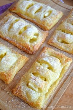 Ciastka francuskie z jabłkiem Sweet Desserts, Just Desserts, Sweet Recipes, Dessert Recipes, Pastry Recipes, Baking Recipes, Apple Tart Recipe, Pie Crust Designs, Pastry And Bakery