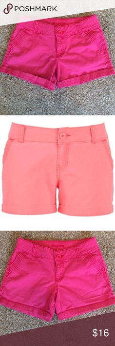 "Maurices Chino Shorts Maurices chino short in a beautiful raspberry pink color. Inseam is 4 1/2"" unrolled, and 3 1/2"" rolled. Maurices Shorts"