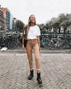 Casual Fashion Teen Style - All About Fashion Look Fashion, Teen Fashion, Fashion Outfits, Womens Fashion, Fashion Trends, Fashion Bloggers, Dress Fashion, Teen Style, Spring Outfits