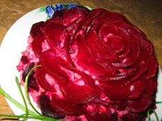 The W's: Food decoration art, Part Beetroot flower Tea Recipes, Quick Recipes, Whole Food Recipes, Salad Recipes, Cooking Recipes, Amazing Recipes, Fresco, Food Decoration, Holiday Appetizers