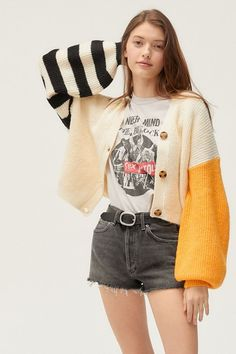 Shop Truly Madly Deeply Piper Slouchy Balloon Sleeve Cardigan at Urban Outfitters today. Grunge Look, 90s Grunge, Retro Outfits, Grunge Outfits, Cool Outfits, Casual Outfits, Girly Outfits, Summer Outfits, Look Fashion