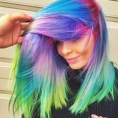 Holographic Hair: New Colour Trend – My hair and beauty Unique Hairstyles, Pretty Hairstyles, Wig Hairstyles, Amazing Hairstyles, Haircuts, Coloured Hair, Dye My Hair, Cool Hair Color, Hair Colors