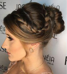 coque com trança Long Bob, How To Make Hair, Ponytail, Braids, Hair Beauty, Girly, Prom, Hair Styles, Fashion