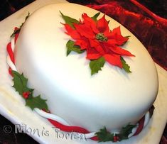 Chocolate Cake covered with homemade fondant, poinsettia and leaves gumpaste Christmas Cake Designs, Christmas Cake Decorations, Christmas Cupcakes, Christmas Sweets, Holiday Cakes, Christmas Cooking, Elegant Christmas, Winter Torte, Homemade Fondant
