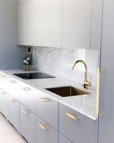 27 Modern Kitchen Interior Design That You Have to Try Modern Kitchen Interiors, Modern Kitchen Design, Home Decor Kitchen, Interior Design Living Room, Kitchen Ideas, Kitchen Tips, Modern Kitchen Renovation, Modern Sink, Interior Colors