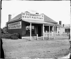 Dubbo: McDermott's boot factory, Macquarie Street south, on the east side