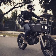 MotorStof.nl (@motorstof.nl) • Instagram-foto's en -video's Scrambler Custom, Scrambler Motorcycle, Moto Bike, Motorcycle Style, Concept Motorcycles, Custom Motorcycles, Custom Bikes, Cars And Motorcycles, Zombie Survival Vehicle
