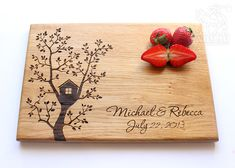Tree House Cutting Board Personalized Wood Engraved di NomadGift