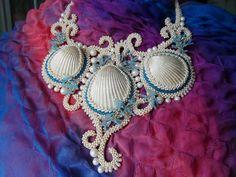 Hobby World ( бисероплетение ) Bead Embroidery Tutorial, Bead Embroidery Jewelry, Soutache Jewelry, Beaded Embroidery, Beaded Necklace, Beaded Bracelets, Necklaces, Shell Jewelry, Beach Jewelry