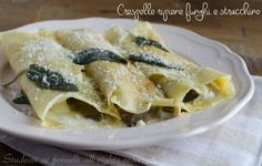 Crespelle ripiene di funghi e stracchino http://blog.giallozafferano.it/studentiaifornelli/crespelle-ripiene-di-funghi-e-stracchino-ricetta-vegetariana/