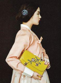 Design by Chai Kim Youngjin Korean traditional dress - Hanbok 한복 My favorite ♥ Korean Traditional Dress, Traditional Fashion, Traditional Dresses, Korean Dress, Korean Outfits, Mode Baroque, Vietnam, Modern Hanbok, Korean Art