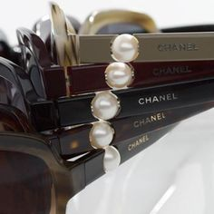 One Style At a Time - Chanel sunglasses Chanel Sunglasses, Sunglasses Outlet, Ray Ban Sunglasses, Coco Chanel, Chanel Pearls, Ysl, Jewelry Accessories, Fashion Accessories, Fashion Bags