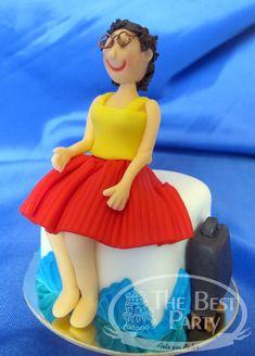 Mini Bolos Individual Wedding Cakes, Snow White, Disney Princess, Disney Characters, Mini Pastries, Art Cakes, Snow White Pictures, Sleeping Beauty, Disney Princesses