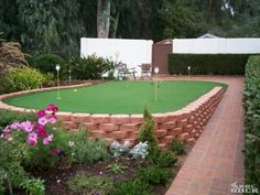 Putting Green for the backyard!! Nice!