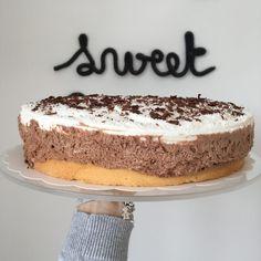 Je vous présente aujourd'hui un gâteau léger, onctueux et gourmand très apprécié en fin de repas ou au goûter. Il est très pratique…