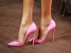 Every girl needs the perfect pink lipstick and the perfect pink pumps. Stilettos, Stiletto Heels, Pointed Heels, Patent Heels, Beautiful High Heels, Sexy High Heels, Classy Heels, Crazy Shoes, Me Too Shoes