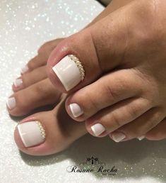 Toe Nail Color, Toe Nail Art, Toe Nails, Nail Colors, Nail Picking, Natural Nail Art, French Pedicure, French Nail Art, The Claw