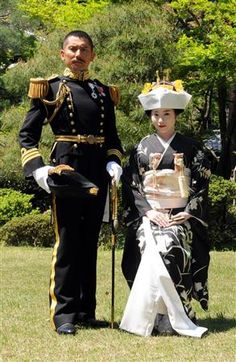 Imperial Japanese Navy, Wedding Kimono, Japanese Wedding, Stunning Wedding Dresses, Japan Fashion, Kimono Fashion, Military Fashion, Traditional Dresses, Asian Woman